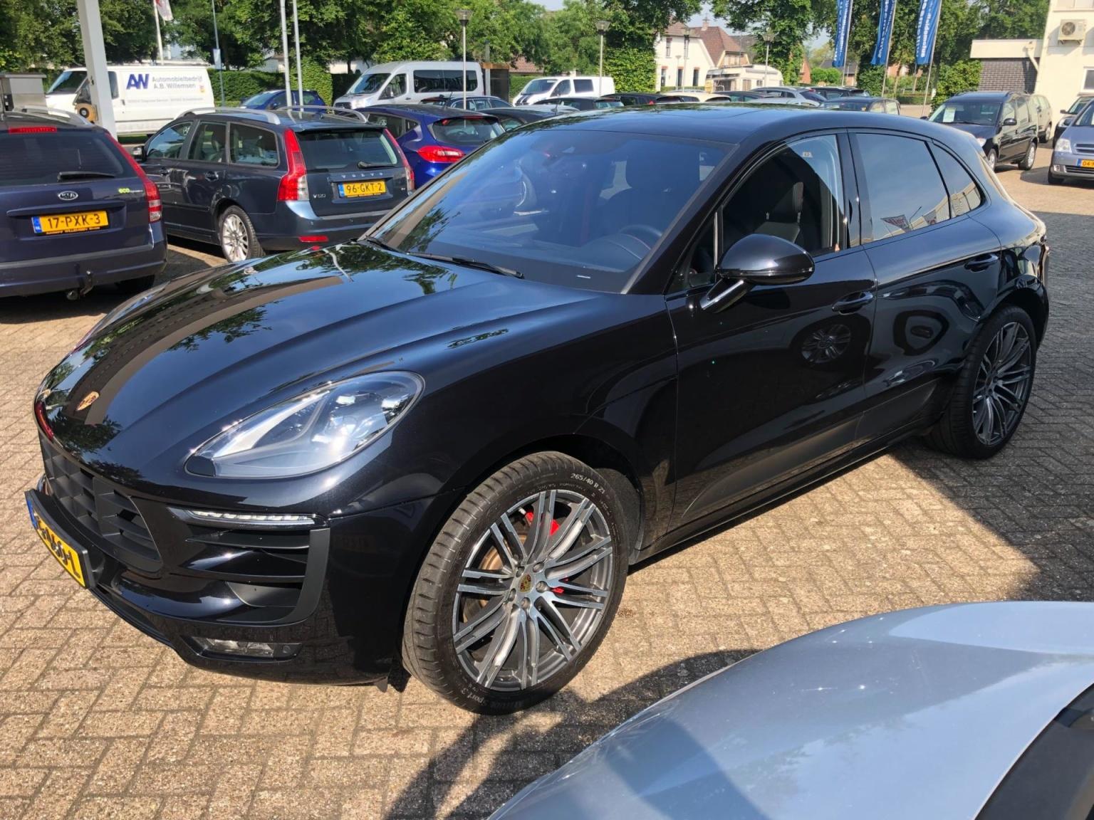 Porsche-Macan-10